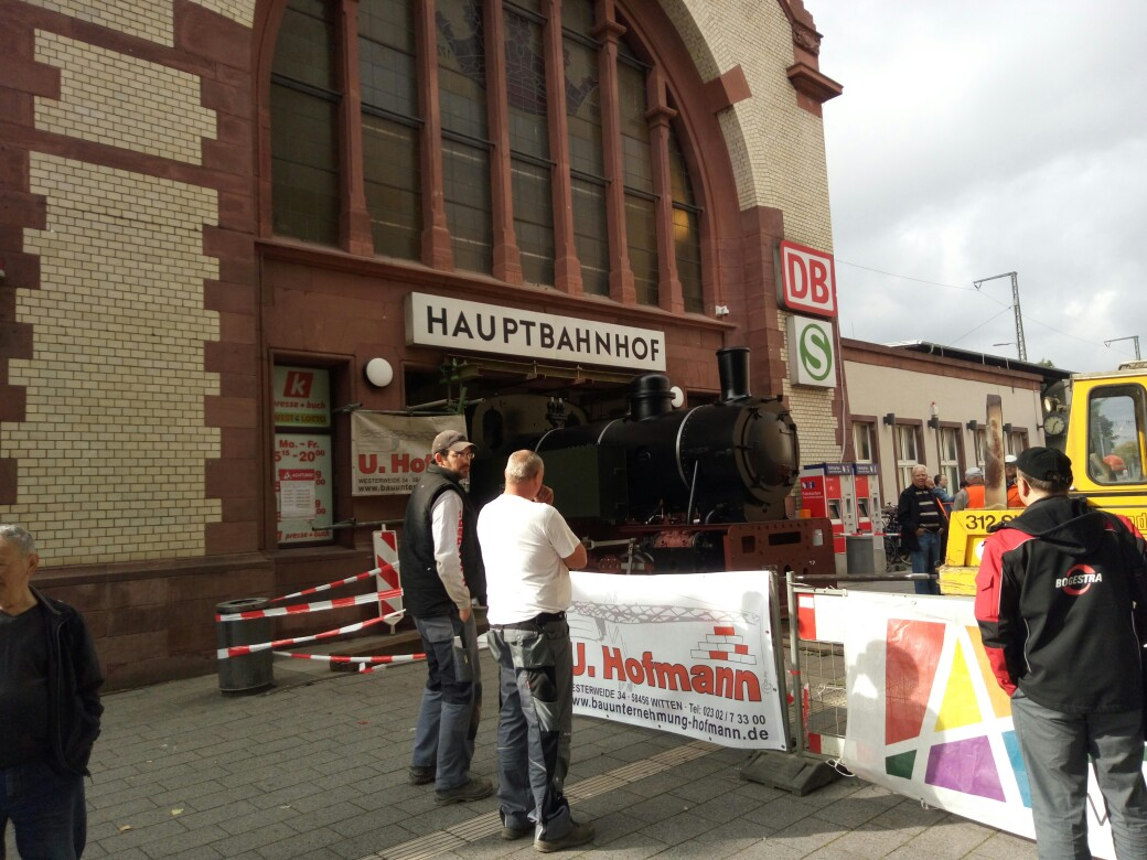 "Lok 1 "" Friedrich"", ehem. Lok der Hasper Hütte auf dem Wittener Hauptbahnhof IMG_20171013_133433"