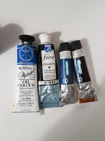 IMAGE Plusieurs types de peinture huile