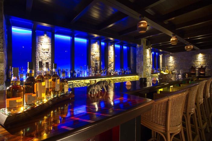 Luxury bar Porto-Zante-Greece-Best-Restaurant-Greece-Dining-Greek-Mediterranean-Sea-Food-42-2599-1400_pixelsOCT