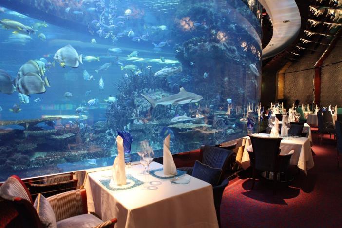 Luxusní restaurace TOM57f2f9_11