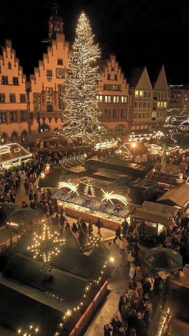 Vánoční trhy na náměstí Image0