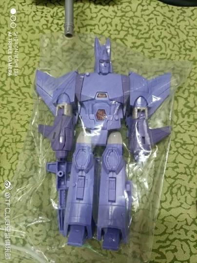 Jouets Transformers Generations: Nouveautés Hasbro - Page 24 Earthrise-Cyclonus-Thrust-Soundwave--TOP-GUN-Maverick03