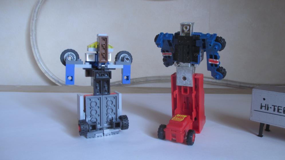Customs de LeaderOptimus : le côté Lego - Page 3 IMG_4063