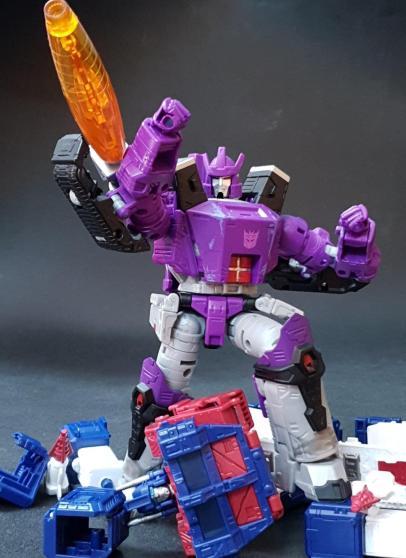 Jouets Transformers Generations: Nouveautés Hasbro - Page 41 Image0-101