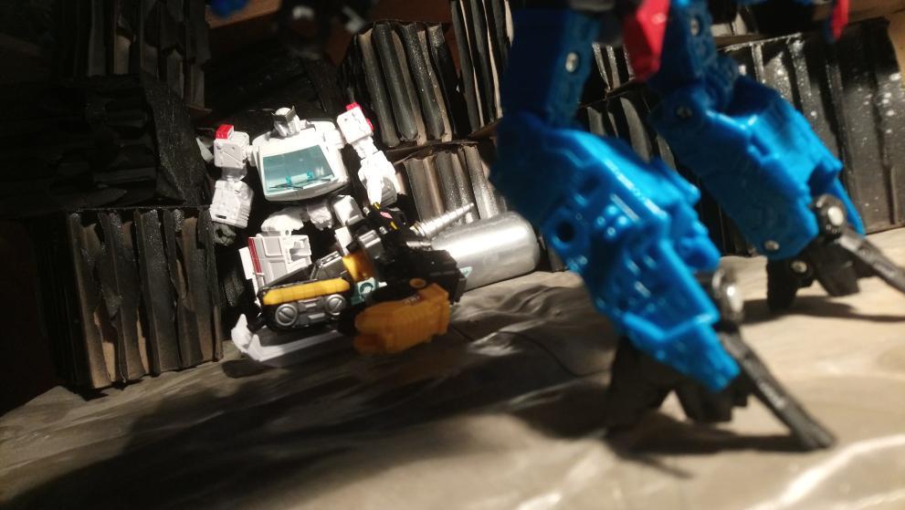 Vos montages photos Transformers ― Vos Batailles/Guerres | Humoristiques | Vos modes Stealth Force | etc - Page 17 20210114_172214