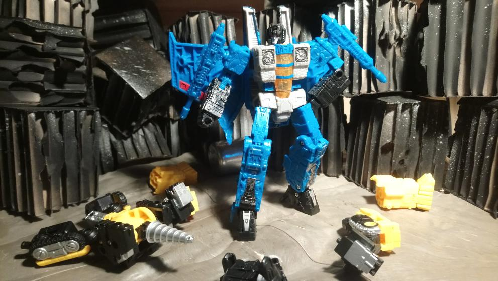 Vos montages photos Transformers ― Vos Batailles/Guerres | Humoristiques | Vos modes Stealth Force | etc - Page 17 20210114_172912