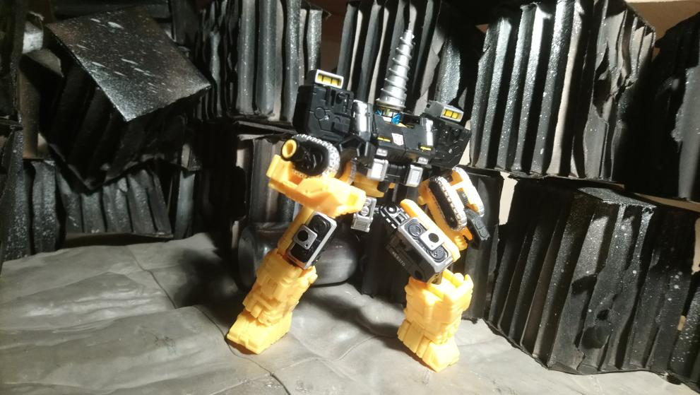 Vos montages photos Transformers ― Vos Batailles/Guerres | Humoristiques | Vos modes Stealth Force | etc - Page 17 20210114_173359