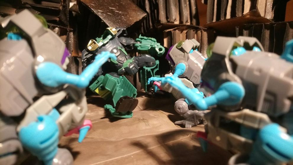 Vos montages photos Transformers ― Vos Batailles/Guerres | Humoristiques | Vos modes Stealth Force | etc - Page 17 20210114_174604